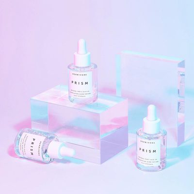 In case you missed it, PRISM Potion is now available at @Sephora online and in stores.🔮🦄Prism is a 100% natural serum-potion featuring a rainbow of exfoliating botanical acids such as gently exfoliating Bilberry, clarifying Willow Bark, and brightening Kakadu Plum. Aloe and Rose waters balance the formula to soothe and hydrate skin, revealing a radiant glow. For your best skin yet, naturally. Click link in bio to shop Prism. 🌈🔮#prismpotion #cleanatsephora #herbivorebotanicals