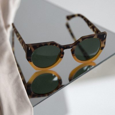 TIME TO REFLECT || If your sunglasses are this cute, is it socially acceptable to wear them indoors? Please discuss in the comments below. The MULE in LEOPARD/MUSTARD MIX. • • #linkinbio #ss18 #mattandnat #livebeautifully #materialsandnature #vegan #crueltyfree #sunglasses