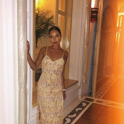uh huh honey 🍯 @kehaulanisanares in the Donna dress #alwaysa10