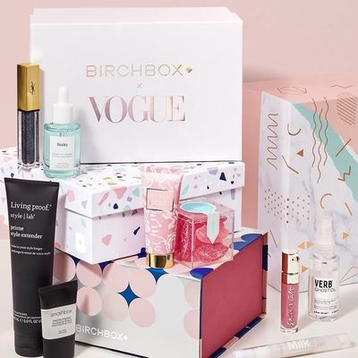 Are you a fan of our amazing Limited Edition Boxes? The exclusively curated assortments of beauty and lifestyle goodies (some of which are full-size!) are such great values that it's no wonder they often sell out in days. Check out some of our latest Limited Editions via 🔗 in our bio.