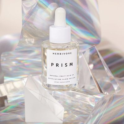 See our stories today to learn about the rainbow of fruit acids and botanical extracts in our PRISM Exfoliating Glow Potions that help to resurface, hydrate, and clarify your skin to reveal that beautiful glow. ✨🌈 #prismpotion #trulynatural image by @sarahwillcoxphotography