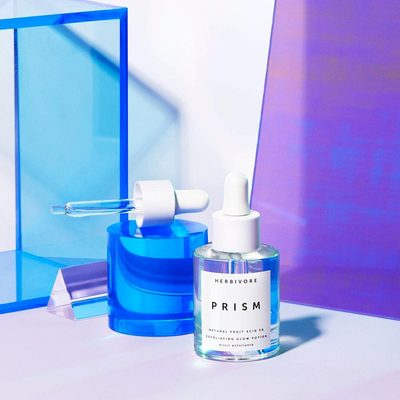 The wait is over, UK!🇬🇧Prism Glow Potion is now available at @Spacenk 🦄🙌#prismpotion