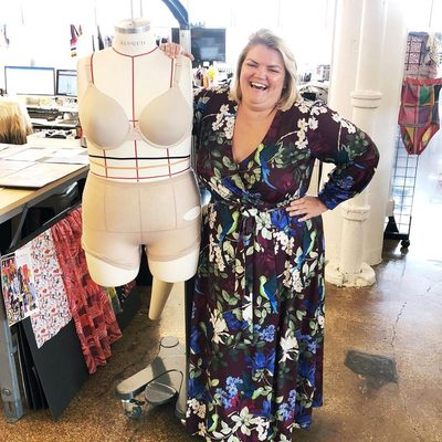 "Just in!! Our new Printed Kimono Maxi Dress just arrived and our beautiful Creative Production Manager @katedgar couldn't resist trying it on ☺️ Both the original colorway ""Havana Floral"" and the new ""Hummingbird Floral"" (pictured on Kate) are now in stock! Click the link in bio to shop #XOQ"
