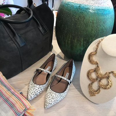 A few of my favorite fall items at A#ERINEastHampton. @tabithasimmons #AERINstores