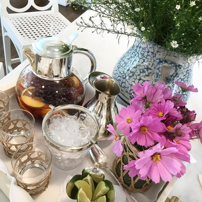 #AERINfloralFriday with fresh iced tea and our white shagreen classic tray.....#AERINhome