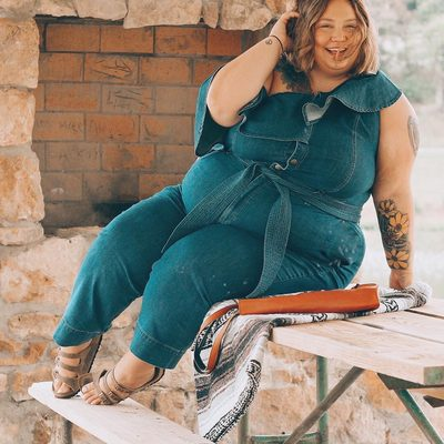 @fatgirlflow knows how to spend a holiday weekend—complete with a fab denim jumpsuit and an ear-to-ear smile! ✨ Shop her look at the link in bio #XOQ