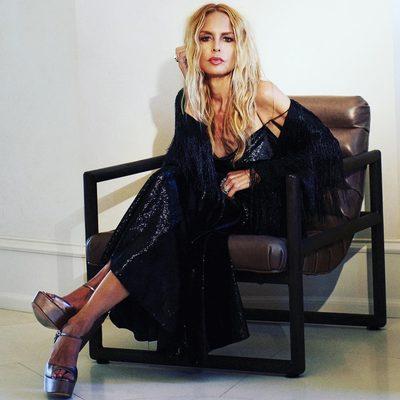 In a Fall state of mind 🍂🍁@shoprachelzoe Lolita metallic velvet slip dress and black Isla fringe jacket #justchillin xoRZ