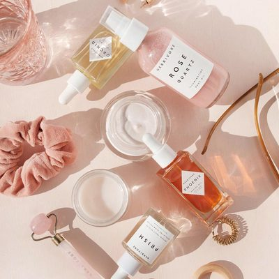 What's in your skincare routine tonight? Tip: Apply Pink Cloud Creme followed by a few drops of Phoenix Facial Oil for an extra dose of nourishing moisture.✨👌✨Bonus: Massage it all in with the Rose Quartz Roller for deeper absorption and increased hydration. 💎👌💎photo by @jasminedowling 🌸