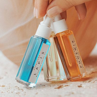 Unsure of which facial oil to start with? Start with all three with the Mini Facial Oil Trio. ✨😀✨Includes Deeply Renewing Phoenix Oil, Balancing Lapis Oil and flash-absorbing Orchid Oil. ✨✨✨photo @intothegloss