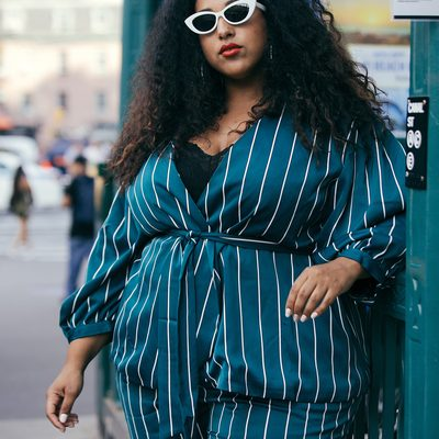 Spotted 👀 @missalexlarosa looking gorgeous in our Cadmium Pinstripe Suit in @instylemagazine's #NYFW street style round up 📸: @lydiahudgensphoto #XOQ