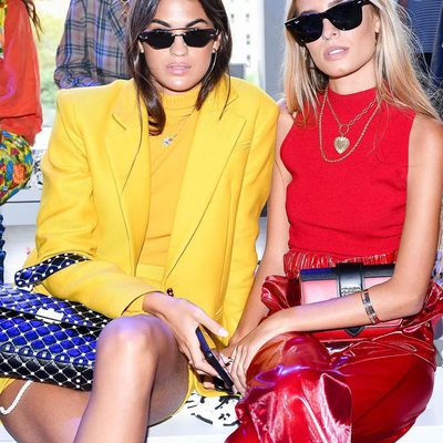Pops of primary w/ @martalozanop & @teresaandresgonzalvo 💛❤️ Click link in bio to shop their looks! #colorlover #fall18 #millymetamorphosis #nyfw