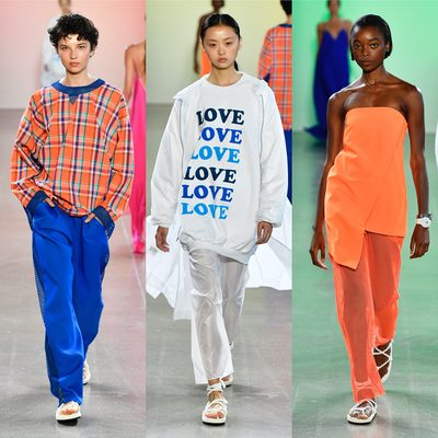 "M I L L Y s/s19: ""M E T A M O R P H O S I S"" looks 5-7 of 36 look 6 (""LOVE"" oversized sweatshirt) features my collab with artist @taralewisstudio 🧡💙🧡photos: @gregbackstage 😘 #millymoment #millymetamorphosis #nyfw"