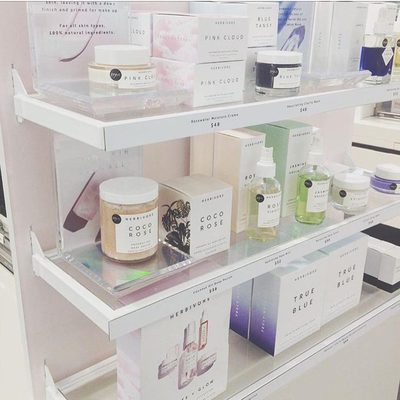 You can now shop a larger selection of Herbivore at 50+ new @Sephora locations!!! 😄🎉🌸Swipe to see new stores near you! For a complete list of all our Sephora locations tune into our stories today.😘photo @boulder.sephora