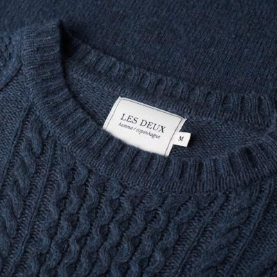 The Hector Knitwear is a lambswool blend, indicating extraordinary comfort, which, together with the knitted cable details, completes this style. #knitwear #cableknit #lesdeux