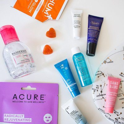 Who has time for a 12-step skincare regimen? 🙋 If so, kudos (sounds pampering!). But most likely, you just want to get by with the basics that'll still leave you with that coveted glow. ✨ Introducing: our new Skincare Made Easy Kit, packed with the 4-step essentials to cleanse, treat, moisturize, and protect your skin so you look (and feel) your best. Tell us below all about what you're excited to try from the kit! 📸 @natalie_salerno