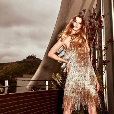 Gold metallic @shoprachelzoe fringe on a gloomy day makes me smile..#idreamingold ✨ #shineone #fringeforever NOVA dress available now on www.shoprachelzoe.com and in my store @palisadesvillage ✨ Link in bio xoRZ
