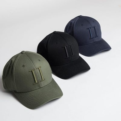 Classic baseball caps with a sophisticated tone in tone logo is something that should be part of everyone's wardrobe. #cap #lesdeux