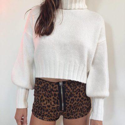 Crème de la crème 👼🏼 The Dylan Turtleneck Sweater.