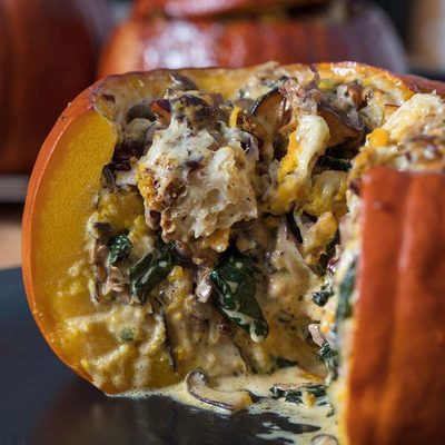 We got to thinking today and realized that @sfmarx's stuffed pumpkins would make a *perfect* festive Halloween dinner. He originally intended it for Thanksgiving but this is just too perfect. Link in bio.