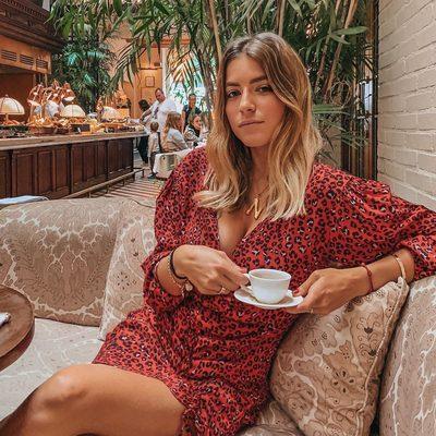 espresso yourself ☕️ @nat.cebrian in @loversfriendsla hayden mini dress - link in bio to shop!