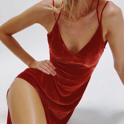 Leggy in the Nadine Velvet Maxi Dress ✨💃🏼