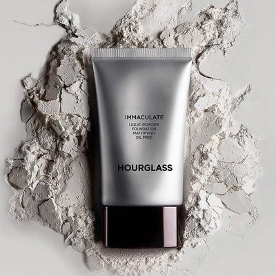 Immaculate Liquid Powder Foundation. An oil-free formula that camouflages imperfections and works to reduce the appearance of blemishes, pores, and acne scars. All while leaving a long lasting, velvet matte finish. #hgcrueltyfree #hourglasscosmetics