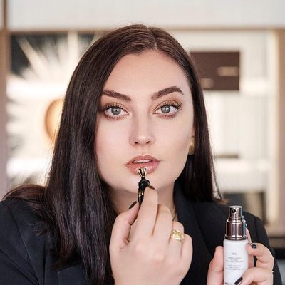 Our Global Makeup Artist, @chanelathourglass has launched her YouTube channel! Make sure you are subscribed to her for access to behind the scenes content from events, photoshoots, and any artistry pro tips and tricks. Link in profile. #chanelathourglass #hourglasscosmetics