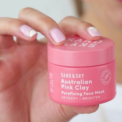 Get your skin ready for weekend festivities with the @sandandskyaus Australian Pink Clay Porefining Face Mask, which brightens and softens skin in 10 minutes—aka less time than it takes to figure out plans with your friends.