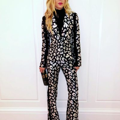 My @shoprachelzoe #powersuit for #wsjdlive tonight..thank you @kristina_oneill @wsjmag for bringing us all together 🙏🏻 💋 @gwynethpaltrow @kevin @kevinhart4real 👏xoRZ Shop suit at link in bio 🖤